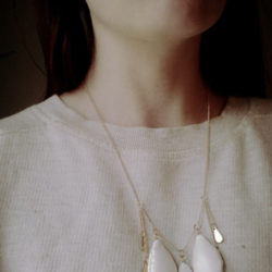 Accessoires-Colliers-Leather-Drops-Choker-Blanc-02OMS